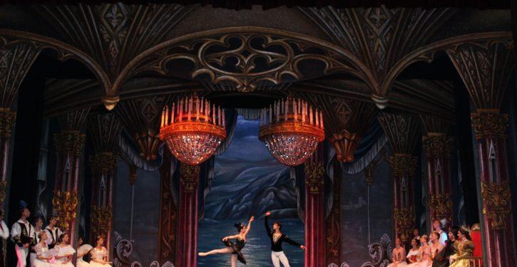 El lago de los Cisnes - Ballet Clásico de San Petersburgo
