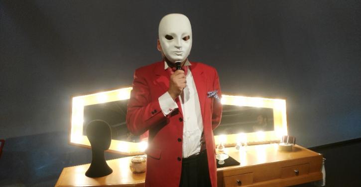 The last Cabaret- Kiku Mistu