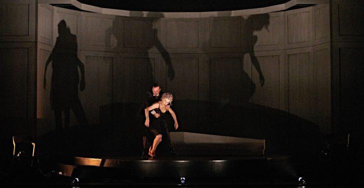 Sensible de Juan Carlos Rubio danza en el teatro